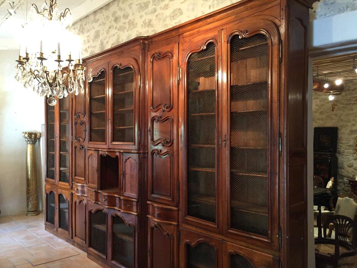biblioth que de ch teau en noyer massif provence poque louis xv xviiie si cle. Black Bedroom Furniture Sets. Home Design Ideas