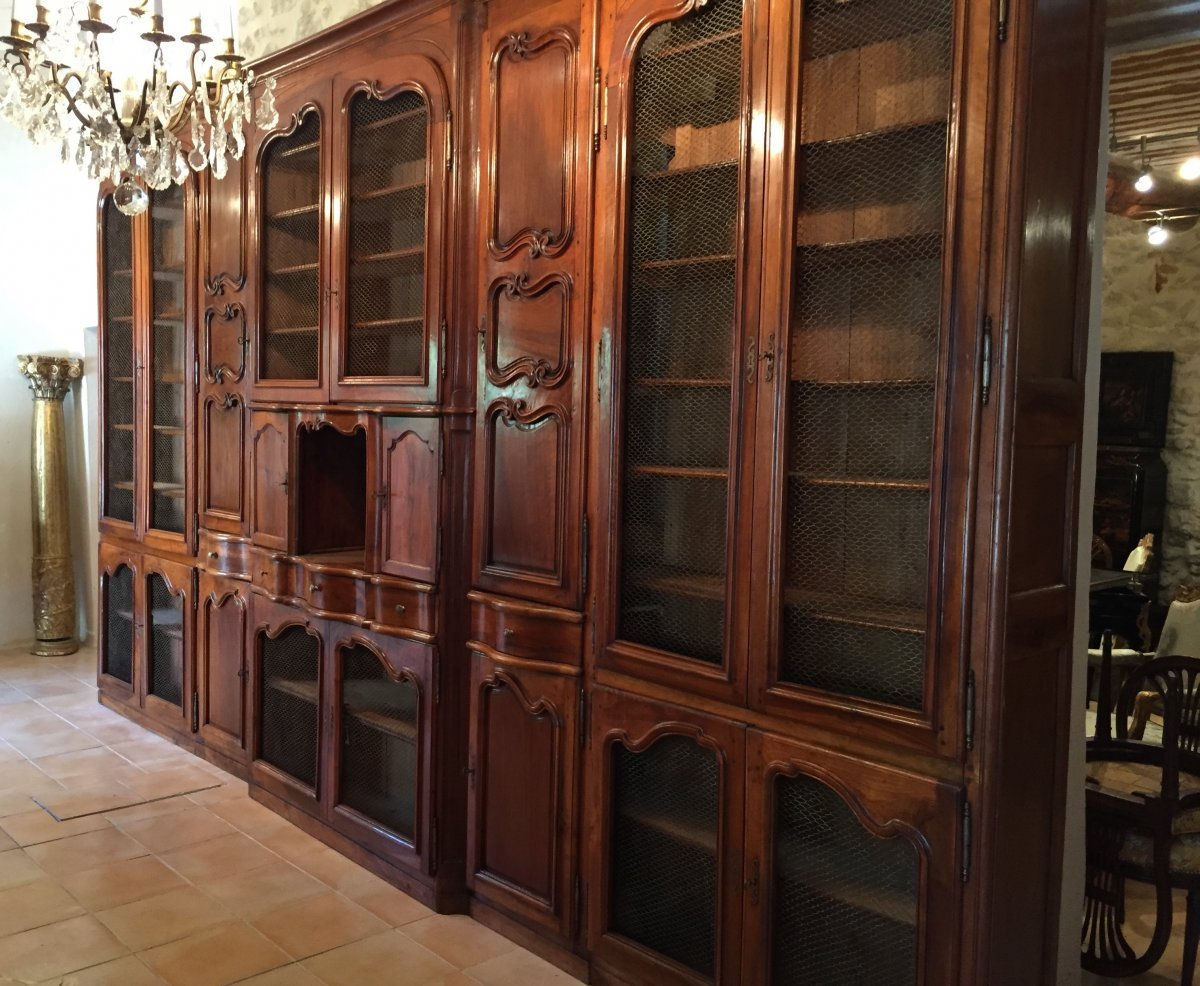 biblioth que de ch teau en noyer massif provence poque louis xv xviiie si cle. Black Bedroom Furniture Sets. Home Design Ideas