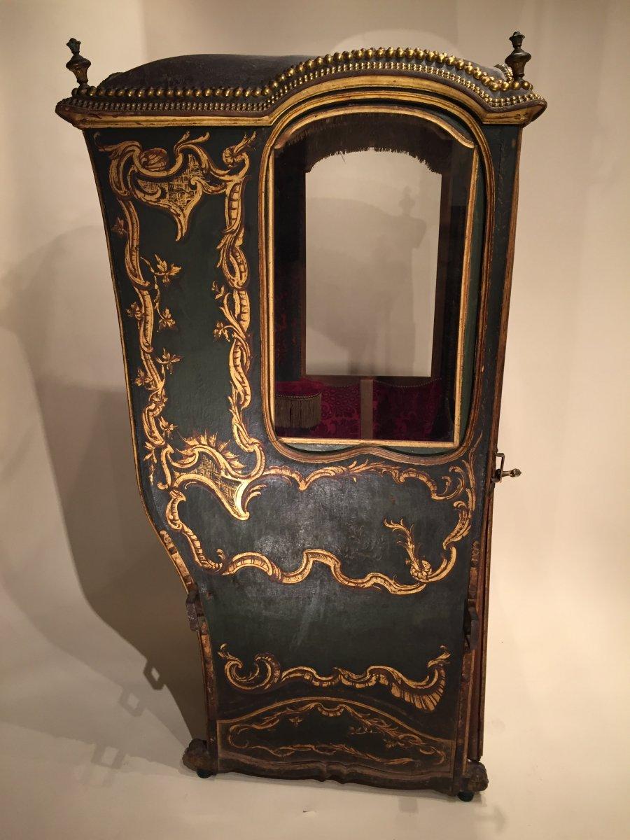 chaise porteurs aux armoiries comtale sud ouest de la. Black Bedroom Furniture Sets. Home Design Ideas