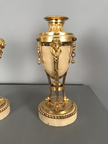 Pair of tripod flambeaux, Paris, Louis XVI period - Louis XVI