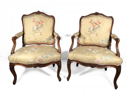 Pair of Louis XV fauteuils (flat-back armchairs) by Mathieu Bauve