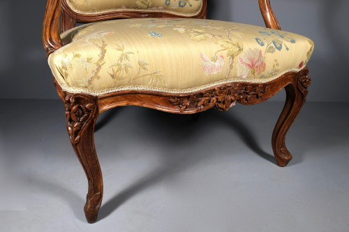 Seating  - Pair of Louis XV fauteuils (flat-back armchairs) by Mathieu Bauve