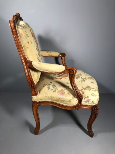 Pair of Louis XV fauteuils (flat-back armchairs) by Mathieu Bauve - Louis XV