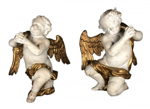 Pair of angels in carved wood, Provence circa 1700