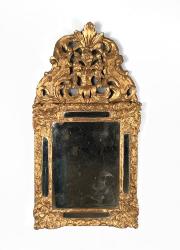 Early 18th Century French Provencal Gold Leaf Gilt Carved Mirror