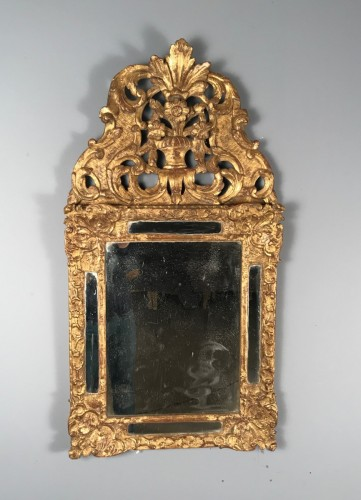 French Regence - Early 18th Century French Provencal Gold Leaf Gilt Carved Mirror