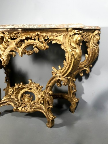 Furniture  - A French Louis XV carved giltwood console table from provence