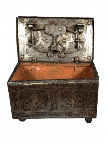 Small iron box engraved with etching, Nuremberg late 16th century