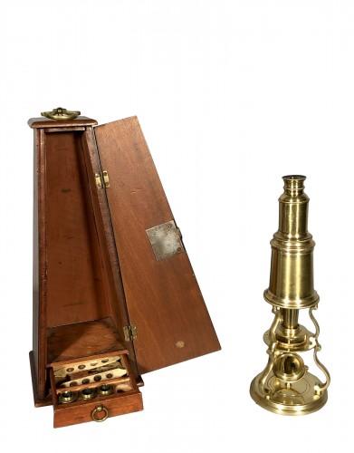 Gilt bronze microscope, Dollond in London circa 1770.