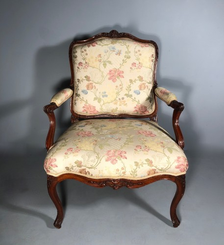 Fine pair of french armchairs stamped Pére Gourdin, Paris circa 1750 - Seating Style Louis XV