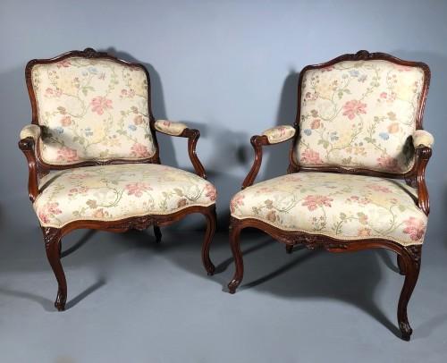 Louis XV - Fine pair of french armchairs stamped Pére Gourdin, Paris circa 1750