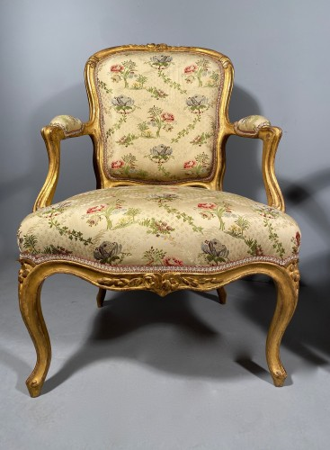 Seating  - French fine pair of armchairs stamped BARA, Louis XV period circa 1750