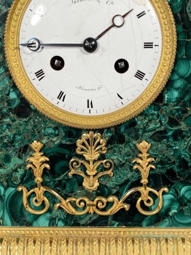 Antiquités - Thomire Empire Clock in Malachite, Paris circa 1815