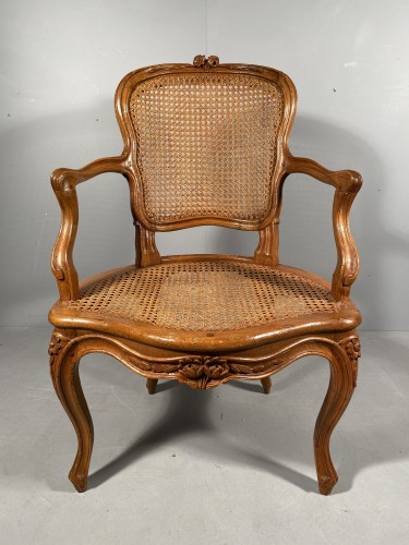 Pair of armchairs attributed to F. GENY, Lyon around 1765. -