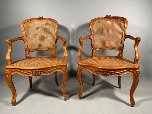 Antiquités - Pair of armchairs attributed to F. GENY, Lyon around 1765.