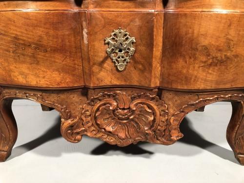 Small walnut commode attribued to Pierre Hache, Grenoble circa 1740 - Furniture Style Louis XV