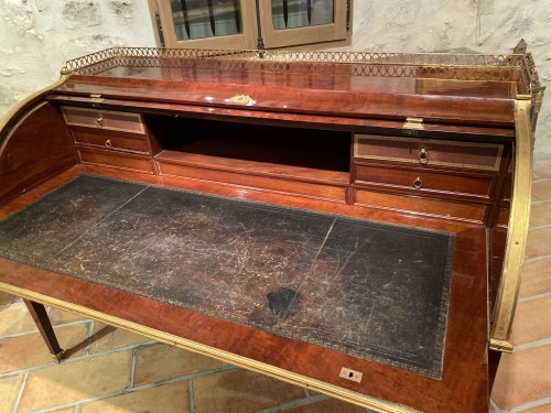 Large cylinder desk with slats in solid mahogany circa 1790 - Louis XVI