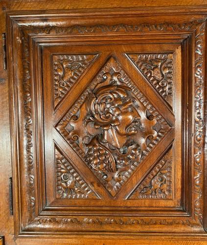 Furniture  - Solid renaissance buffet in walnut, Burgundy circa 1600