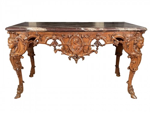 Hunting table in walnut attributed to Toro, Aix en Provence around 1710