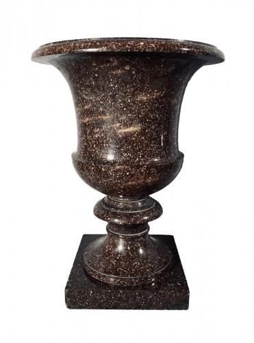 Porphyry Medici vase from Blyberg, Sweden circa 1805-1810
