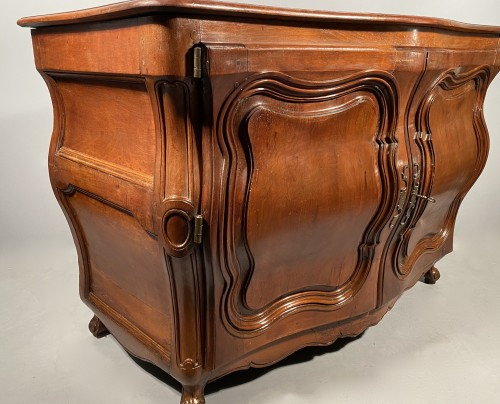 Louis XV - French carved commode in walnut, bordeaux circa 1750