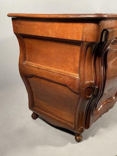 Antiquités - French carved commode in walnut, bordeaux circa 1750