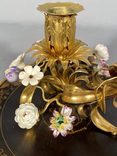 Ormolu, lacquer and porcelain toilet candlestick, Paris circa 1750. - Lighting Style Louis XV