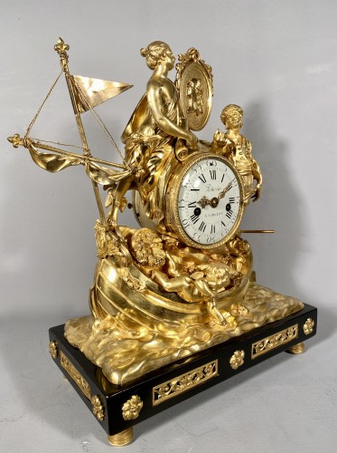Antiquités - Clock with allegory of maritime trade, Paris around 1775