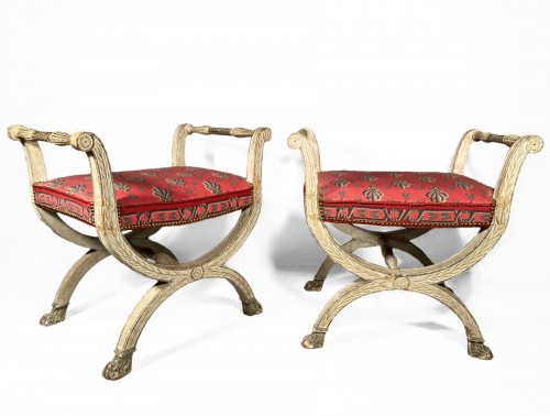 Pair of curule stools in lacquered wood, 19th century