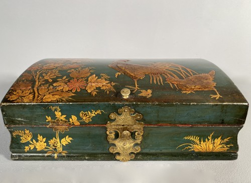 Toilet box in blue Martin varnish with Japanese decor circa 1730. - French Regence