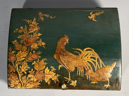French Regence - Toilet box in blue Martin varnish with Japanese decor circa 1730.