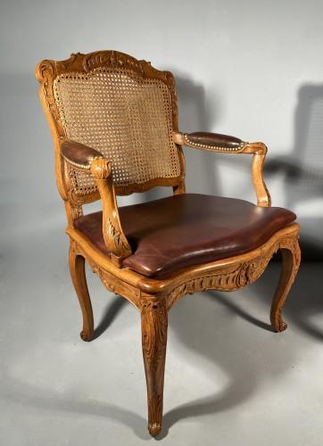 18th century - Pair of armchairs by René Cresson, Paris around 1740