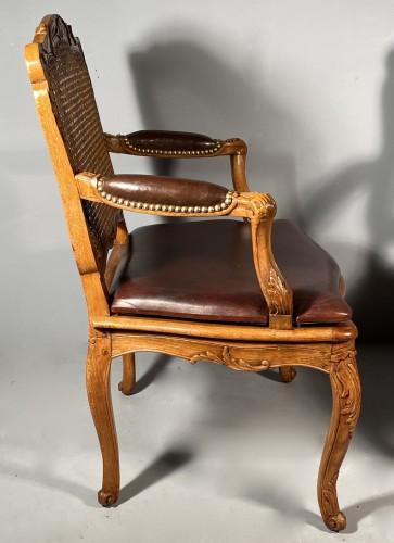 Pair of armchairs by René Cresson, Paris around 1740 - Louis XV