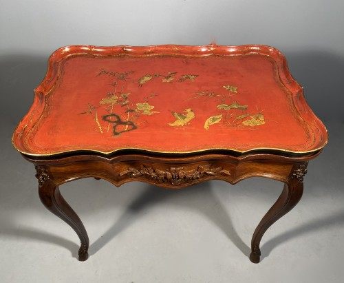 Cabaret table with Chinese lacquer top, Provence 18th century -
