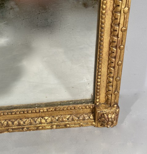 18th century - Gilded wood mirror with the arms of the city of Marseille circa 1790