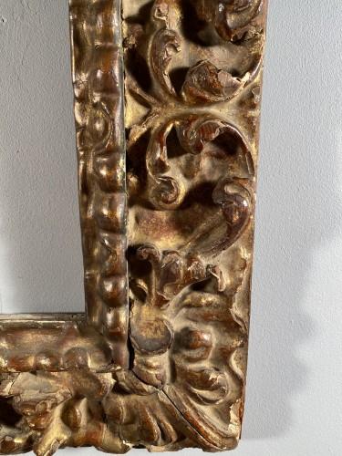 Gilded wood frame, Spain 17th century -