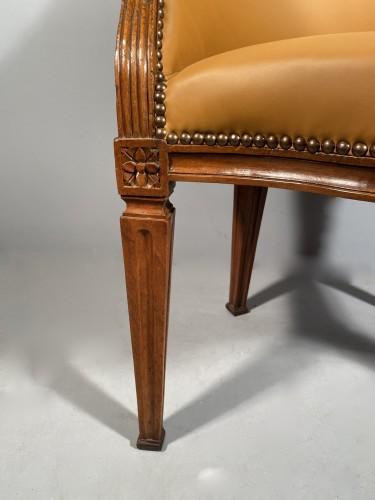 Walnut desk chair, P.Pillot, Nîmes around 1780 - Seating Style Louis XVI