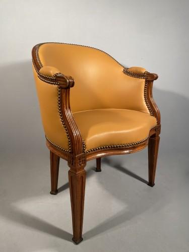 Seating  - Walnut desk chair, P.Pillot, Nîmes around 1780