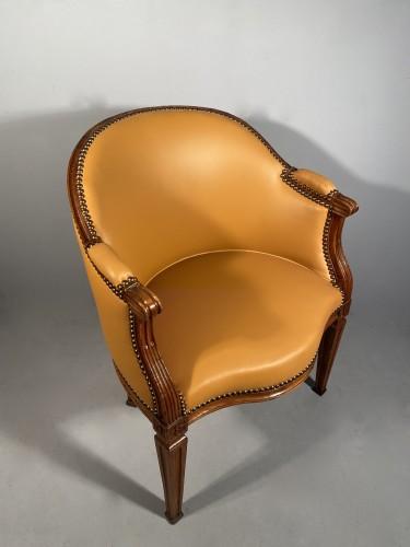 Louis XVI - Walnut desk chair, P.Pillot, Nîmes around 1780