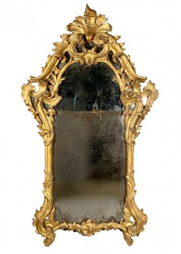 Italian fine 18th mirror in gilded wood, Genoa circa 1750