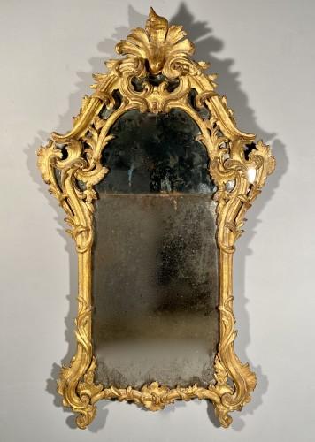 Italian fine 18th mirror in gilded wood, Genoa circa 1750 - Louis XV