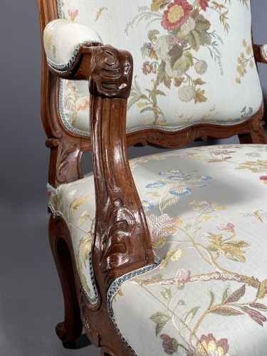 Armchair with flat back, Provence around 1750 -