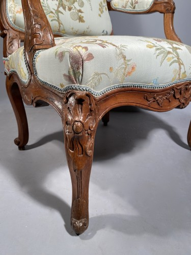 18th century - Armchair with flat back, Provence around 1750