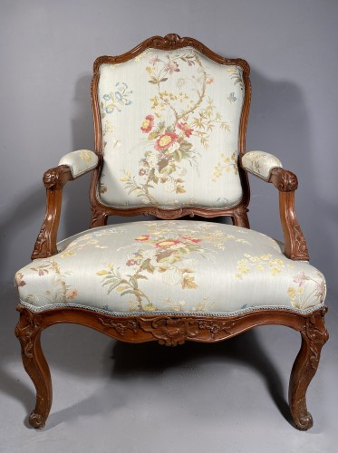 Armchair with flat back, Provence around 1750 - Louis XV