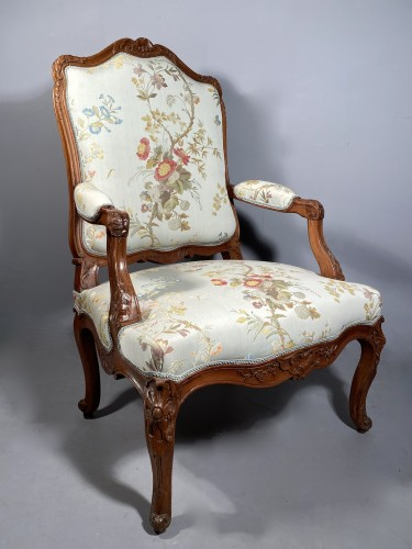 Louis XV - Armchair with flat back, Provence around 1750