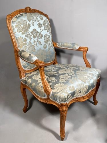 Pair of armchairs with flat backs attributed to J.B Tillard circa 1760 - Louis XV