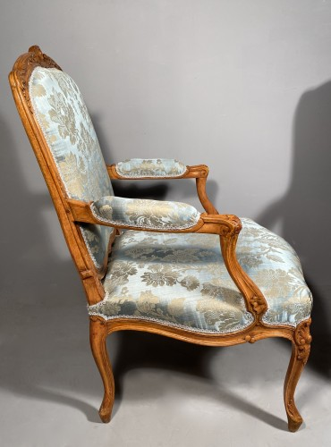 Louis XV - Pair of armchairs with flat backs attributed to J.B Tillard circa 1760