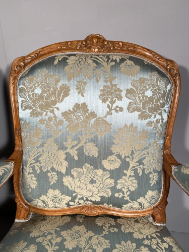 Antiquités - Pair of armchairs with flat backs attributed to J.B Tillard circa 1760