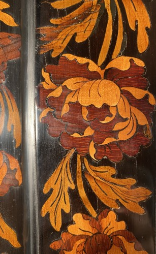 Bookcase in floral marquetry, Paris, Louis XIV period - Furniture Style Louis XIV