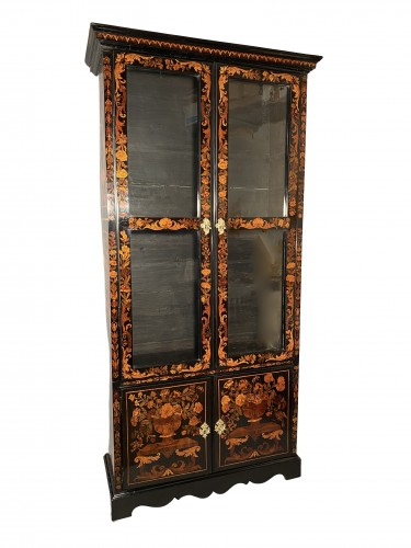18th century - Bookcase in floral marquetry, Paris, Louis XIV period